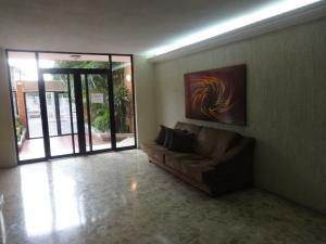 Apartamento En Venta En Maracaibo, Paraiso, Venezuela, VE RAH: 16-14273