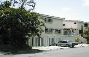 Apartamento En Venta En Valencia, Trigal Norte, Venezuela, VE RAH: 16-14414