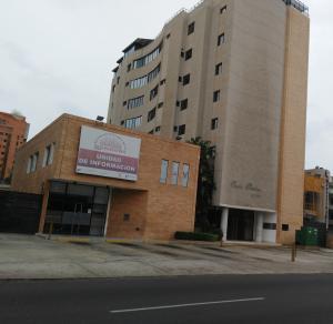 Apartamento En Venta En Maracaibo, Avenida Bella Vista, Venezuela, VE RAH: 16-14320