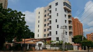 Apartamento En Venta En Maracaibo, Avenida Bella Vista, Venezuela, VE RAH: 16-14647