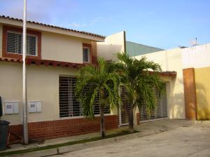 Casa En Venta En Municipio Linares Alcantara, La Morita I, Venezuela, VE RAH: 16-14326