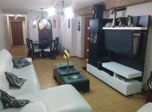 Apartamento En Venta En Caracas, Parroquia Altagracia, Venezuela, VE RAH: 16-14328