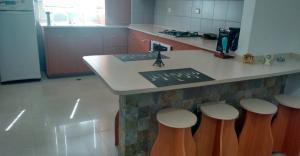Apartamento En Venta En Maracaibo, Avenida Universidad, Venezuela, VE RAH: 16-14329