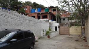 Casa En Venta En Catia La Mar, Las Tunitas, Venezuela, VE RAH: 16-15307