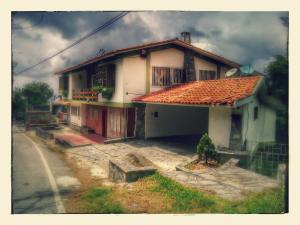 Casa En Venta En El Junquito-Vargas, El Junko Country Club, Venezuela, VE RAH: 16-14353