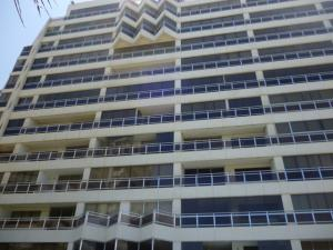 Apartamento En Venta En Parroquia Naiguata, Camuri Grande, Venezuela, VE RAH: 16-14376