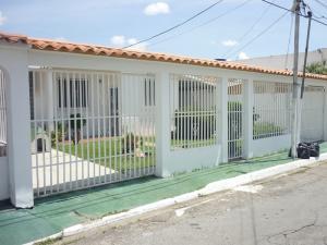 Casa En Venta En Guacara, Ciudad Alianza, Venezuela, VE RAH: 16-15021
