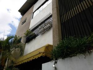 Apartamento En Venta En Caracas, El Paraiso, Venezuela, VE RAH: 16-14403