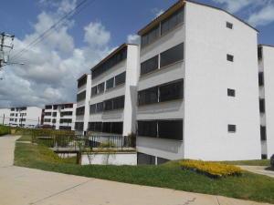 Apartamento En Venta En Los Teques, Parque Residencial La Quinta, Venezuela, VE RAH: 16-14419