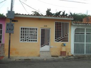 Casa En Venta En Municipio San Diego, Los Jarales, Venezuela, VE RAH: 16-14609