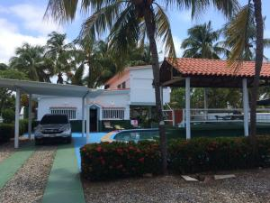 Casa En Venta En Boca De Uchire, El Cuji, Venezuela, VE RAH: 16-14433