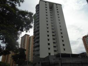 Apartamento En Venta En Valencia, Las Chimeneas, Venezuela, VE RAH: 16-15956
