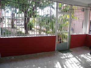 Apartamento En Venta En Ciudad Bolivar, Av La Paragua, Venezuela, VE RAH: 16-14570