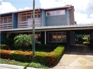 Townhouse En Venta En Guatire, El Castillejo, Venezuela, VE RAH: 16-14470