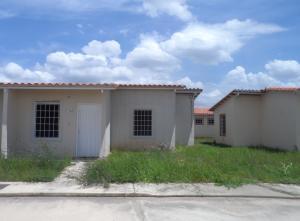 Casa En Venta En Guacara, Ciudad Alianza, Venezuela, VE RAH: 16-14476