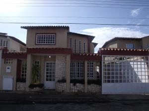 Townhouse En Venta En Puerto Ordaz, Villa Icabaru, Venezuela, VE RAH: 16-14488