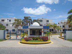 Apartamento En Venta En Rio Chico, Tacarigua La Laguna, Venezuela, VE RAH: 16-14491