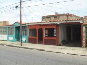 Casa En Venta En Municipio Miguel Peña, Lomas Del Funval, Venezuela, VE RAH: 16-14495