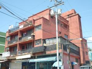 Apartamento En Venta En Municipio Naguanagua, Casco Central, Venezuela, VE RAH: 16-14526