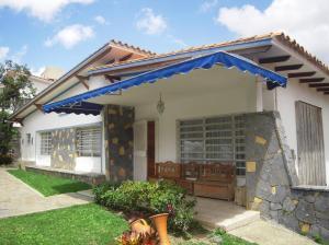 Casa En Venta En Caracas, La Trinidad, Venezuela, VE RAH: 16-14555