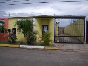 Casa En Venta En Ciudad Bolivar, Sector Marhuanta, Venezuela, VE RAH: 16-14577