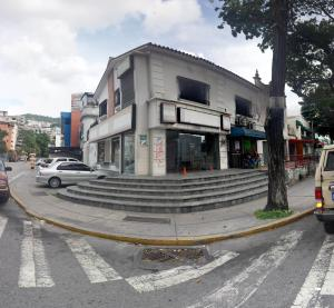 Local Comercial En Venta En Caracas, Los Chaguaramos, Venezuela, VE RAH: 16-14576