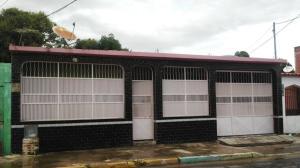Casa En Venta En Valencia, Fundacion Mendoza, Venezuela, VE RAH: 16-14588