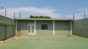 Galpon - Deposito En Venta En Municipio San Francisco, San Francisco, Venezuela, VE RAH: 16-14639