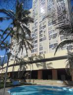 Apartamento En Venta En Parroquia Naiguata, Camuri Grande, Venezuela, VE RAH: 16-14642