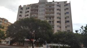 Apartamento En Venta En Maracaibo, Calle 72, Venezuela, VE RAH: 16-14646