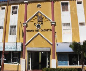 Apartamento En Venta En Coro, Av Manaure, Venezuela, VE RAH: 16-14649
