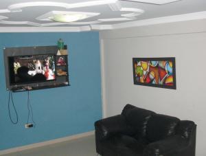 Apartamento En Venta En Coro, Av Manaure, Venezuela, VE RAH: 16-14657