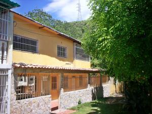Casa En Venta En La Victoria, Las Mercedes, Venezuela, VE RAH: 16-14661