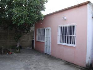 Casa En Venta En Maracay, Santa Rita, Venezuela, VE RAH: 16-14662