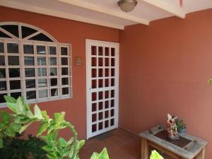 Casa En Venta En Turmero, Los Overos, Venezuela, VE RAH: 16-14677
