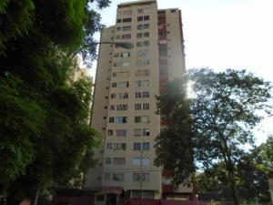 Apartamento En Venta En Valencia, Las Chimeneas, Venezuela, VE RAH: 16-14735