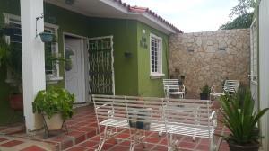 Casa En Venta En Municipio San Francisco, El Soler, Venezuela, VE RAH: 16-14651