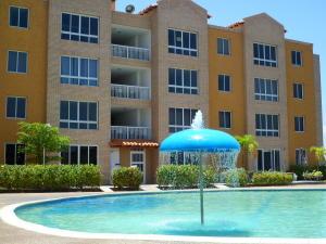Apartamento En Venta En Lecheria, Complejo Turistico El Morro, Venezuela, VE RAH: 16-14707