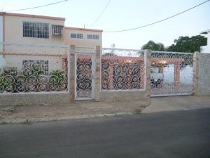 Casa En Venta En Punto Fijo, Judibana, Venezuela, VE RAH: 16-14724