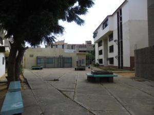 Apartamento En Venta En Maracaibo, Lago Mar Beach, Venezuela, VE RAH: 16-14726