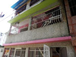 Casa En Venta En Valencia, La Isabelica, Venezuela, VE RAH: 16-14731