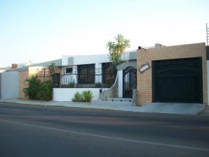Casa En Venta En Maracaibo, Rosal Sur, Venezuela, VE RAH: 16-14739
