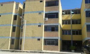 Apartamento En Venta En Municipio Los Guayos, Paraparal, Venezuela, VE RAH: 16-14752