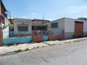 Casa En Venta En Maracay, La Cooperativa, Venezuela, VE RAH: 16-14740