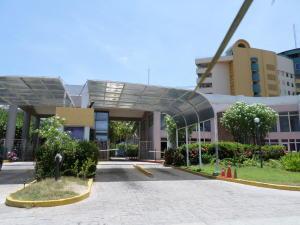Apartamento En Venta En Tucacas, Morrocoy, Venezuela, VE RAH: 16-14747