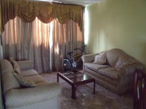 Apartamento En Venta En Ciudad Bolivar, Av La Paragua, Venezuela, VE RAH: 16-14749