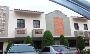 Townhouse En Venta En Municipio Naguanagua, Tazajal, Venezuela, VE RAH: 16-14759