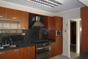 Apartamento En Venta En Maracaibo, Tierra Negra, Venezuela, VE RAH: 16-14762