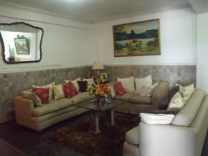 Apartamento En Venta En Ciudad Bolivar, Sector Avenida Tachira, Venezuela, VE RAH: 16-14774
