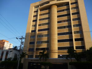 Apartamento En Venta En Maracaibo, La Lago, Venezuela, VE RAH: 16-14789